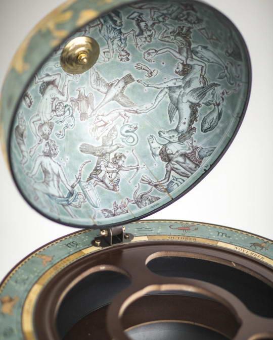 Da Vinci floor globe drinks cabinet - blue dust, top view, product photo